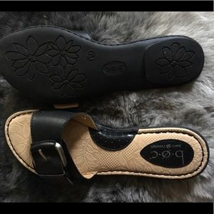 ⭐️New Item⭐️NWOT b.o.c. Slides/sandals with buckle